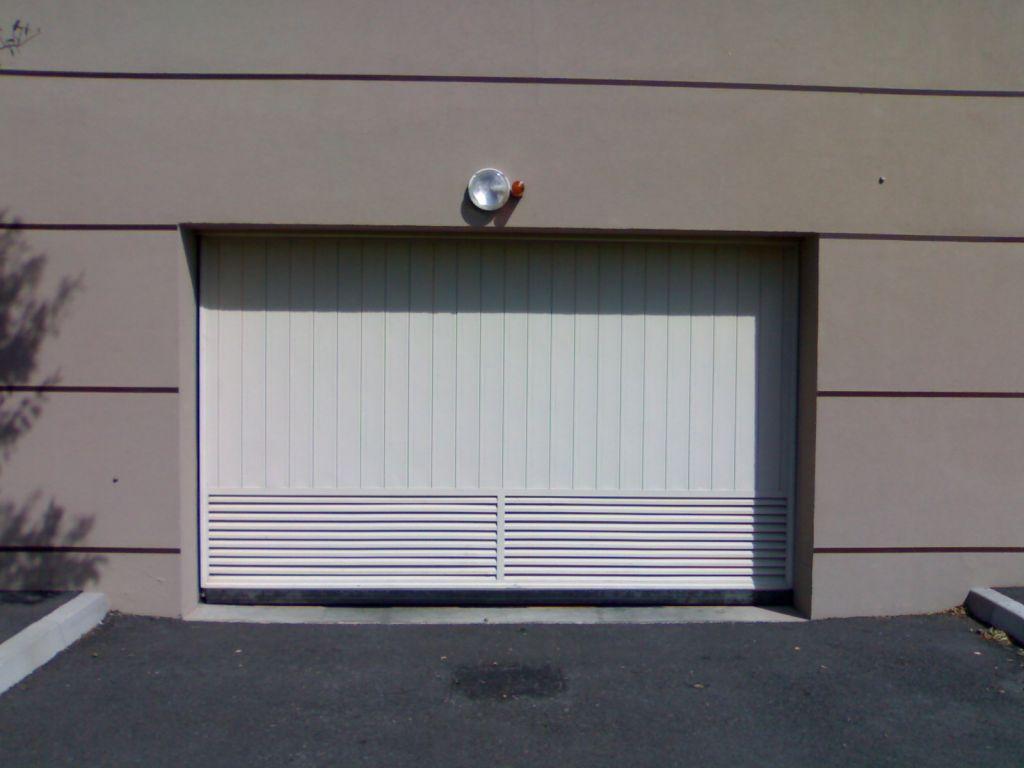 automatisme de porte de garage simple porte garage porte porte garage porte garage blanche. Black Bedroom Furniture Sets. Home Design Ideas